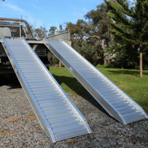 Heeve aluminium 2.5t loading ramps on ute